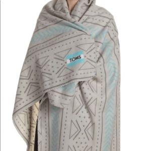 TOMS fleece blanket Brand New!